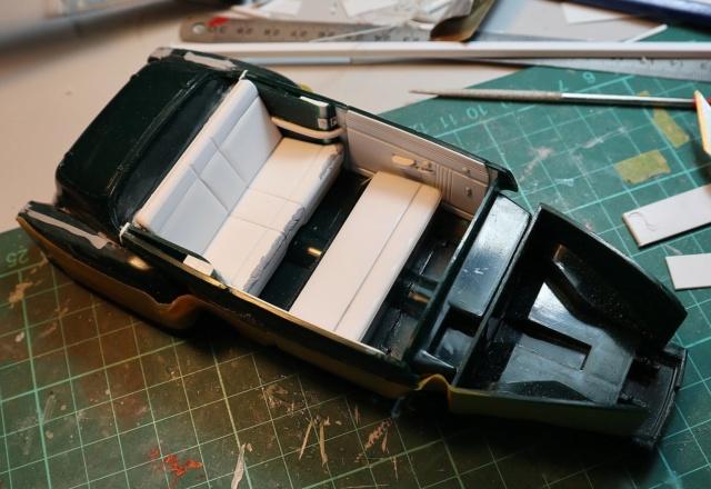 Comme Manu : défi montage: Lincoln Continental 48' de chez Pyro - Page 2 01314