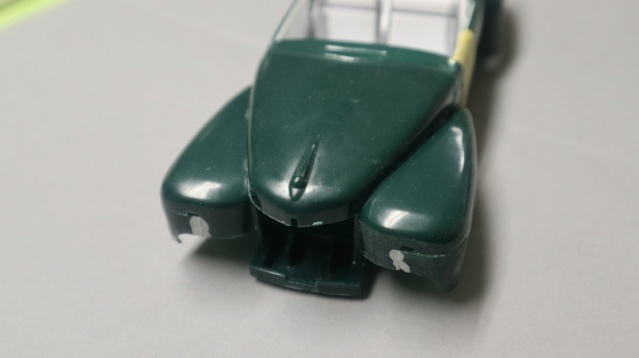 Comme Manu : défi montage: Lincoln Continental 48' de chez Pyro - Page 4 01511