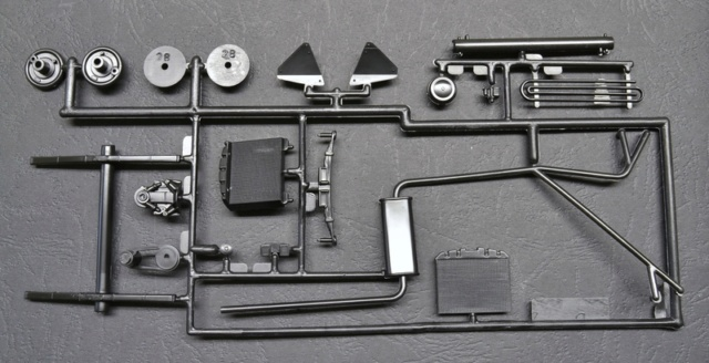 Ouvre- boite .....Revell  :  Cord 812 convertible 1/25 023_8016