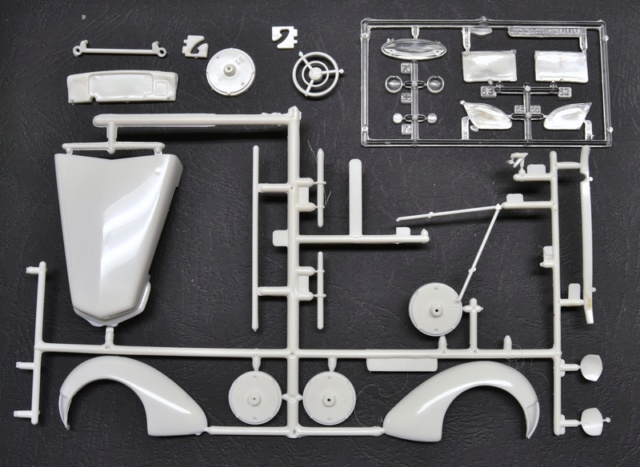 Ouvre- boite .....Revell  :  Cord 812 convertible 1/25 025_8017