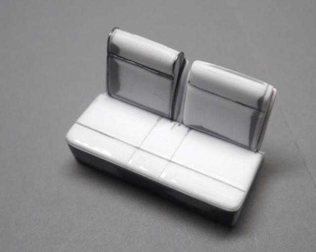 Comme Manu : défi montage: Lincoln Continental 48' de chez Pyro - Page 3 04011