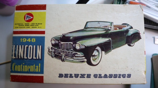Comme Manu : défi montage: Lincoln Continental 48' de chez Pyro 06010