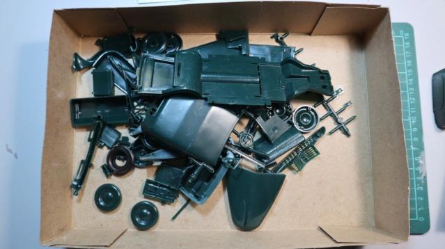 Comme Manu : défi montage: Lincoln Continental 48' de chez Pyro 06110