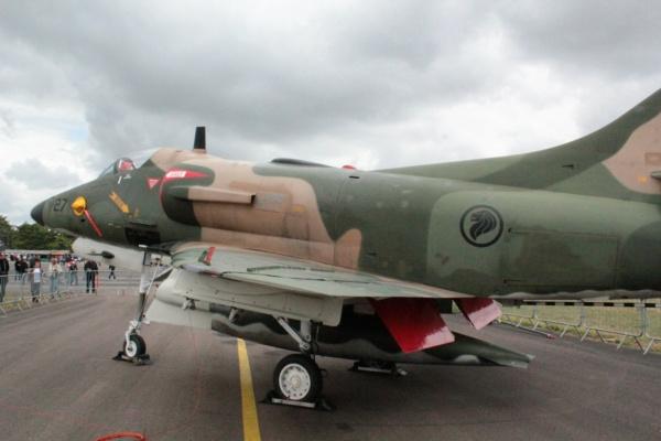 From the box - Harrier GR3 aux Malouines - Airfix - 1/72 *** Terminé en pg 2 08510