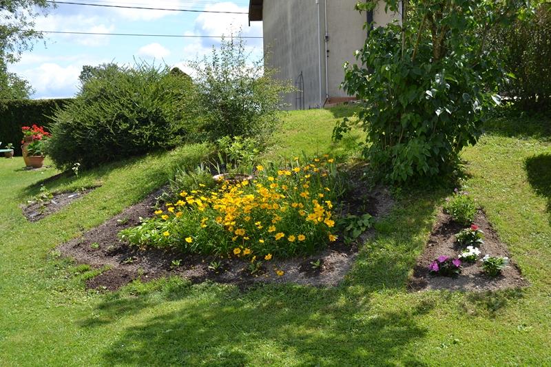 Un petit tour d'horizon de notre jardin...... 093_8010
