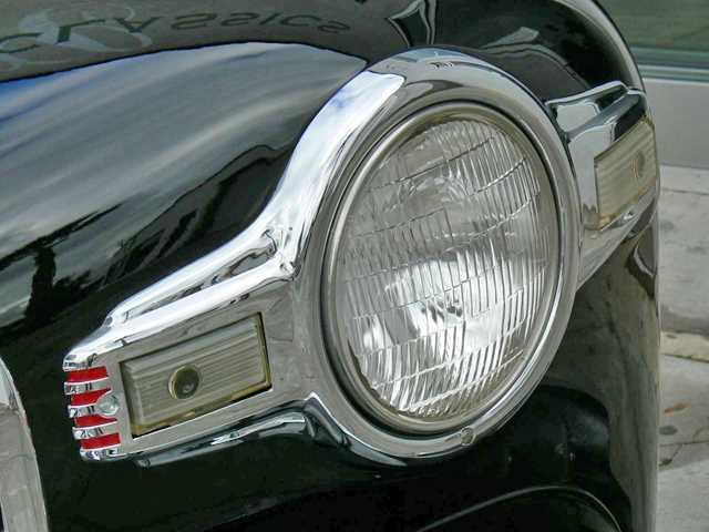 Comme Manu : défi montage: Lincoln Continental 48' de chez Pyro 1948-l10