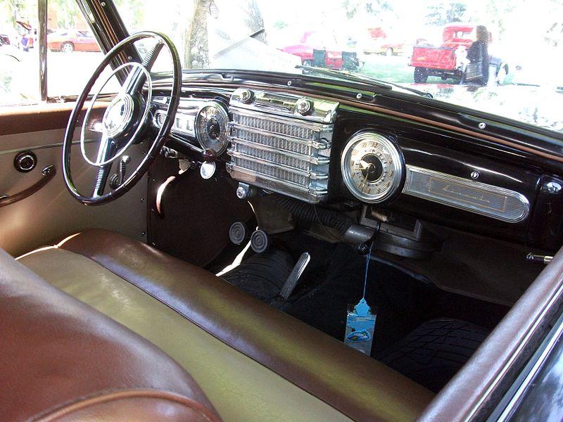 Comme Manu : défi montage: Lincoln Continental 48' de chez Pyro 1948_l10