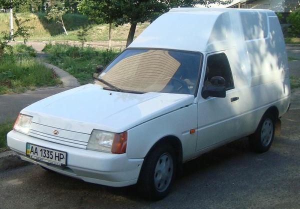 Nouvelle lubie.....L'automobile russe en miniatures. - Page 8 800px-14