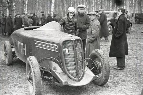 Nouvelle lubie.....L'automobile russe en miniatures. - Page 8 9_webp10