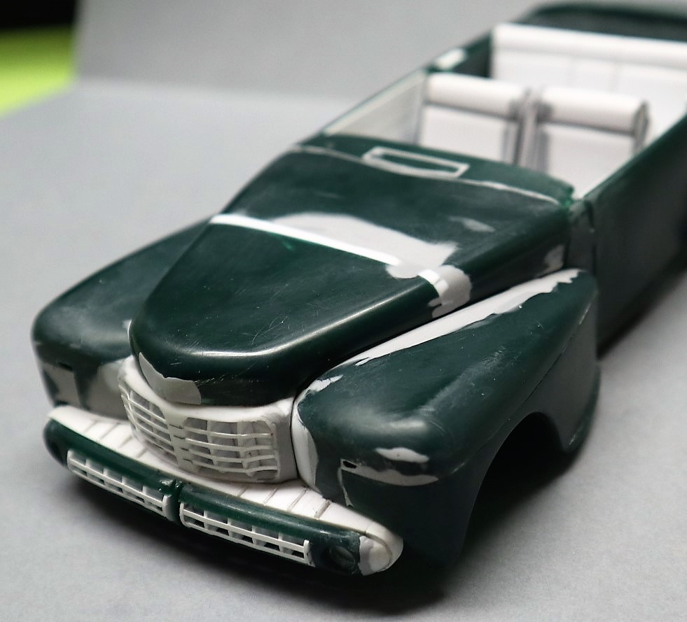 Lincoln Continental 1948 ( Pyro 1/25) - Page 3 Img_0444