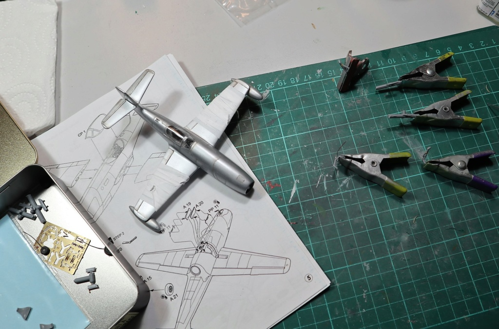 YAK 23 Flora 1/72    Special Hobby - Page 4 Img_0726