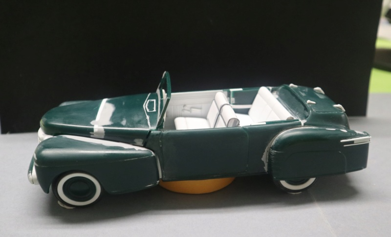 Lincoln Continental 1948 ( Pyro 1/25) - Page 4 Img_1017