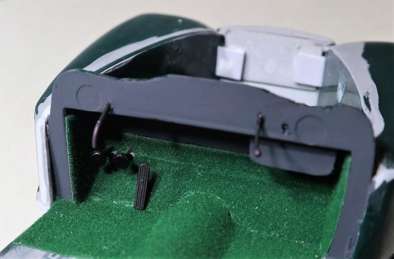 Comme Manu : défi montage: Lincoln Continental 48' de chez Pyro - Page 11 Img_1555