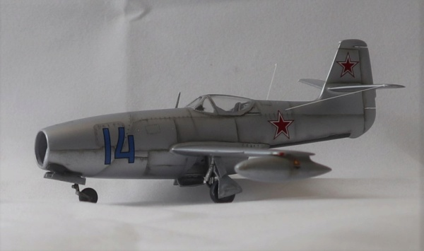YAK 23 Flora 1/72    Special Hobby - Page 5 Img_2219