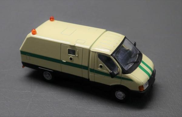 Nouvelle lubie.....L'automobile russe en miniatures. - Page 2 Img_2536