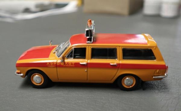 Nouvelle lubie.....L'automobile russe en miniatures. - Page 2 Img_2615
