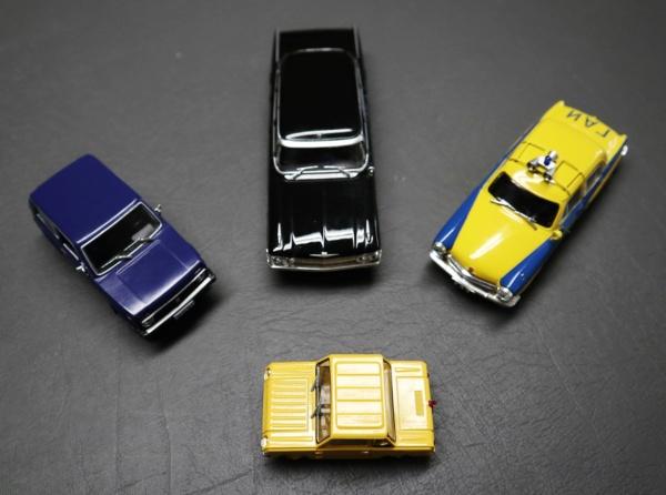 Nouvelle lubie.....L'automobile russe en miniatures. - Page 4 Img_2730