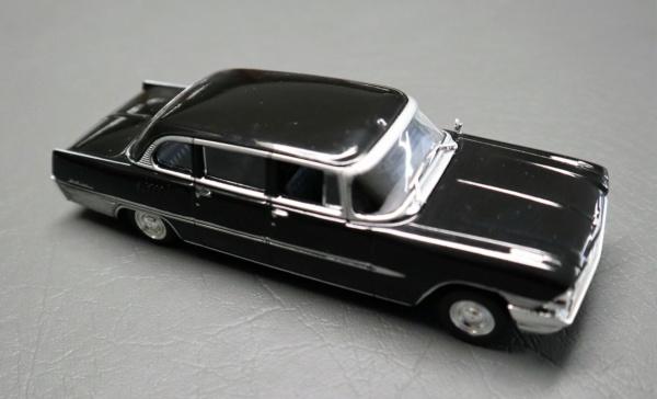 Nouvelle lubie.....L'automobile russe en miniatures. - Page 4 Img_2731