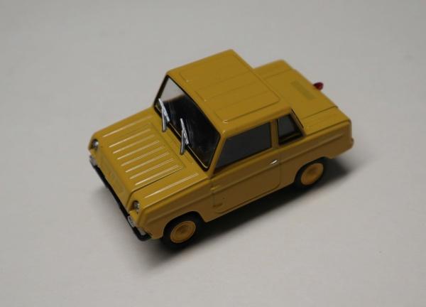 Nouvelle lubie.....L'automobile russe en miniatures. - Page 4 Img_2734