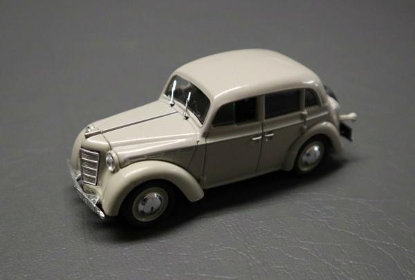 Nouvelle lubie.....L'automobile russe en miniatures. - Page 5 Img_2744