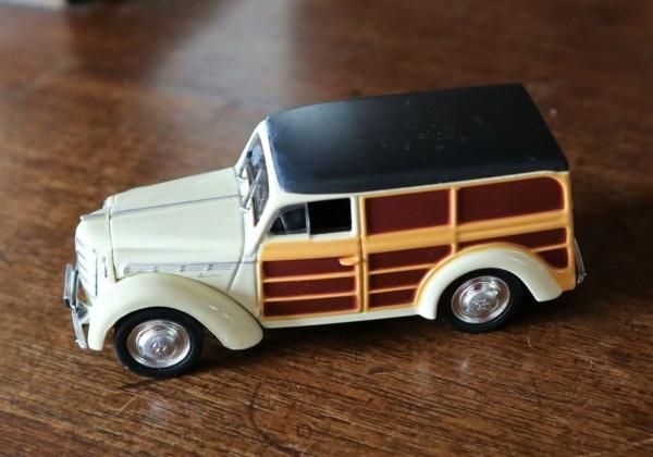 Nouvelle lubie.....L'automobile russe en miniatures. - Page 5 Img_2757