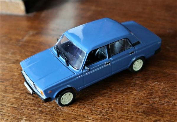 Nouvelle lubie.....L'automobile russe en miniatures. - Page 5 Img_2758