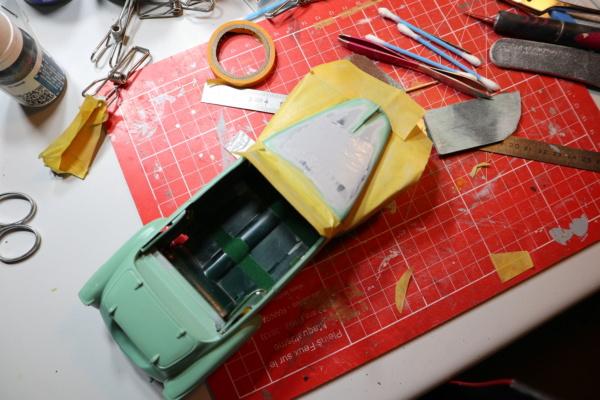 Comme Manu : défi montage: Lincoln Continental 48' de chez Pyro - Page 16 Img_2759