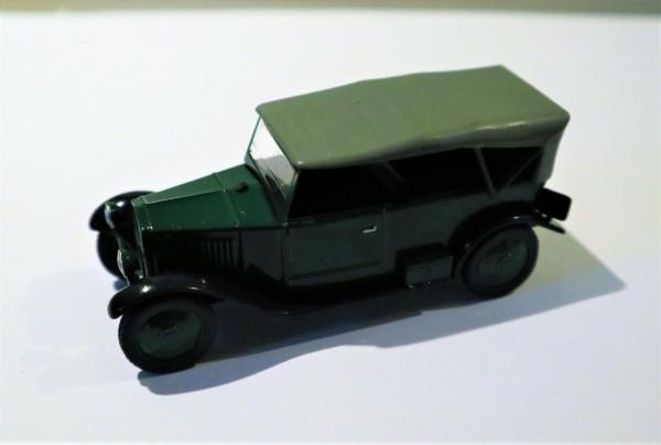 Nouvelle lubie.....L'automobile russe en miniatures. - Page 5 Img_2761