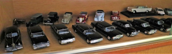 Nouvelle lubie.....L'automobile russe en miniatures. - Page 7 Img_2827