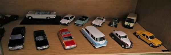 Nouvelle lubie.....L'automobile russe en miniatures. - Page 7 Img_2828