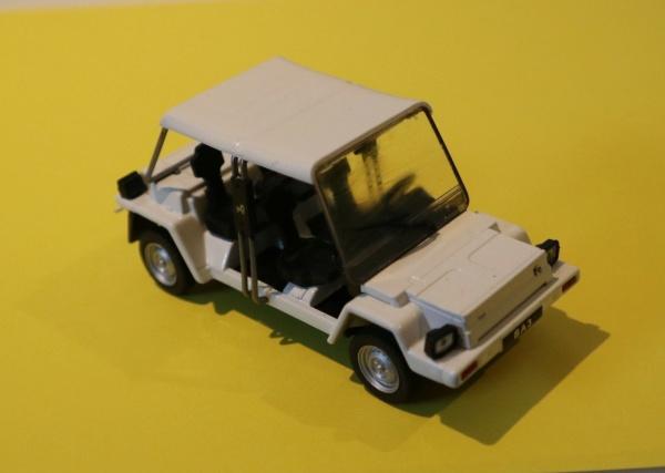 Nouvelle lubie.....L'automobile russe en miniatures. - Page 8 Img_3112