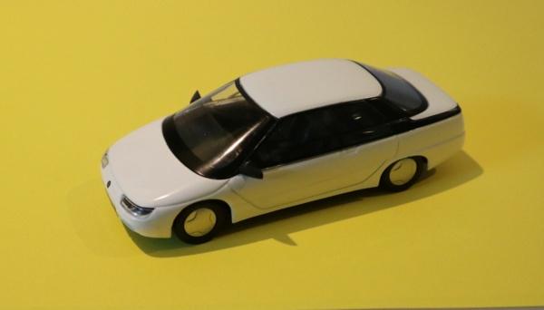 Nouvelle lubie.....L'automobile russe en miniatures. - Page 8 Img_3113