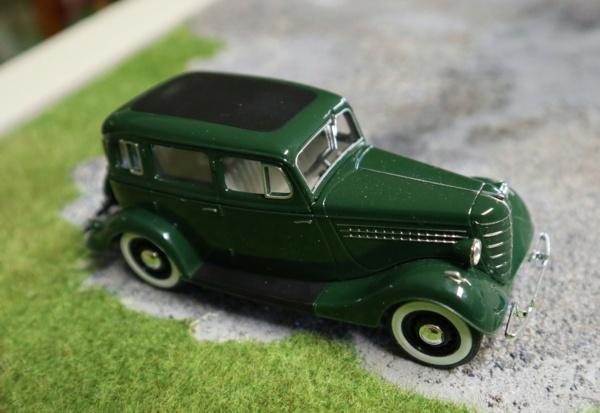 Nouvelle lubie.....L'automobile russe en miniatures. - Page 9 Img_3139