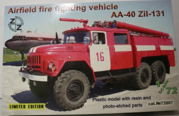 Boites aux sujets divers + les véhicules terrestres 1/72 Img_3635