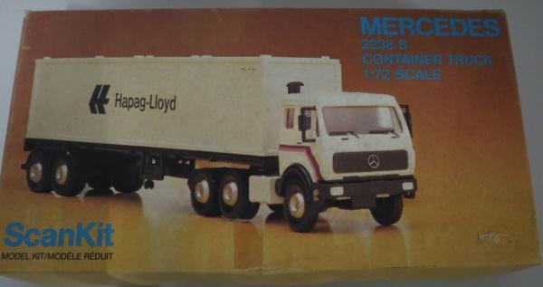 Boites aux sujets divers + les véhicules terrestres 1/72 Img_3636