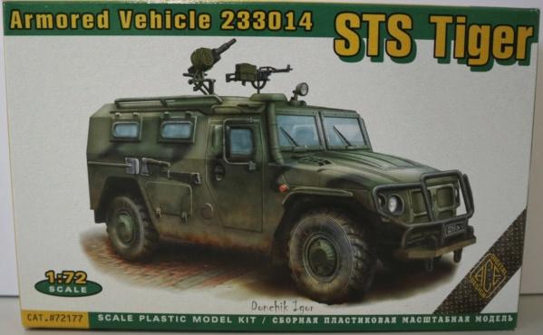Boites aux sujets divers + les véhicules terrestres 1/72 Img_3652