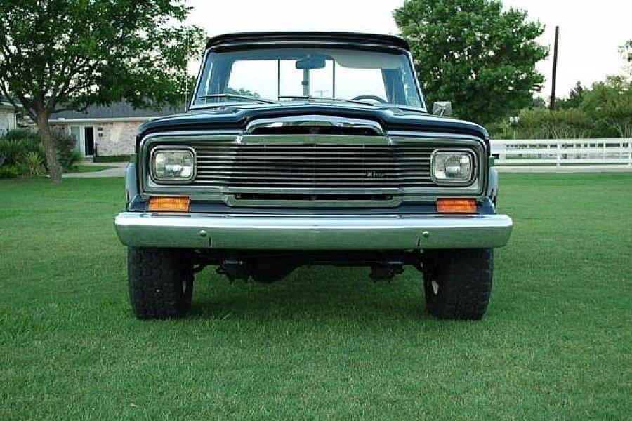 Comme Manu : défi montage: Lincoln Continental 48' de chez Pyro - Page 18 Jeep-o10