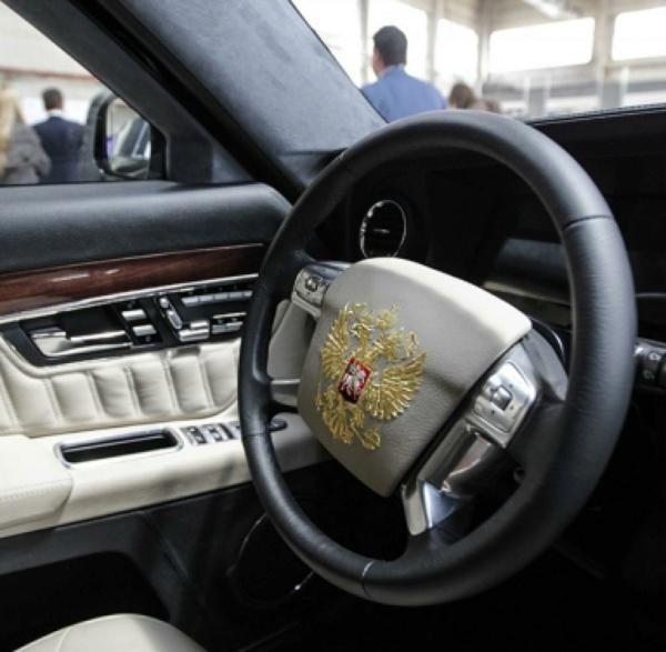 Nouvelle lubie.....L'automobile russe en miniatures. - Page 4 Putin-10