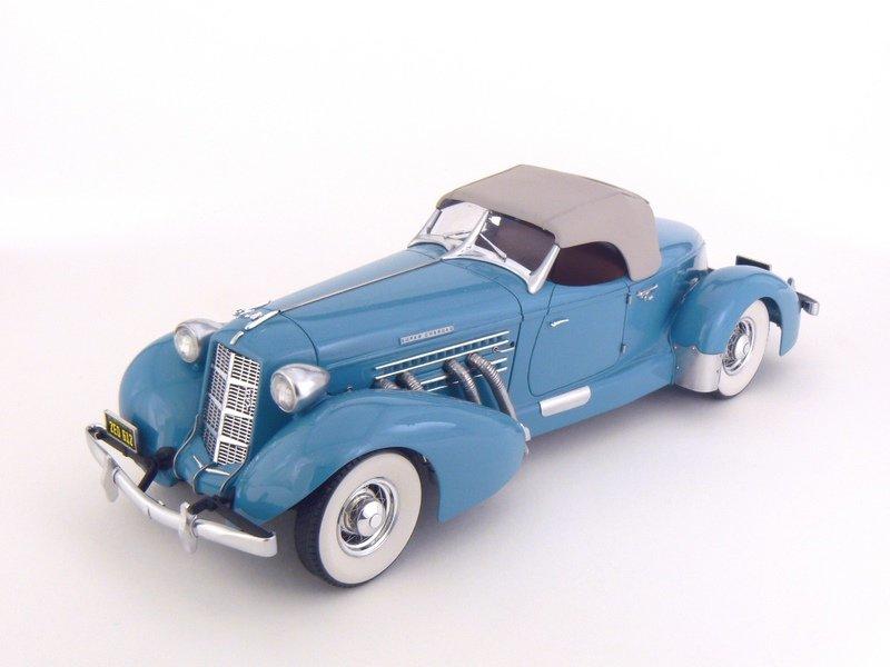 Auburn Speedster 851 de 1935........ Lindberg  1/25 Scale10