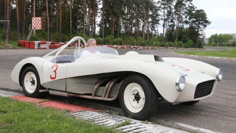 Nouvelle lubie.....L'automobile russe en miniatures. - Page 7 Zil-1110