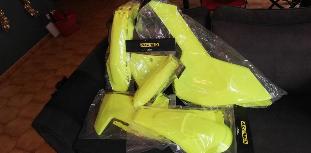 [ VENDU ]Kit plastique ACERBIS jaune fluo pour Husqvarna TE TEi à partir de 2017 Img_2010
