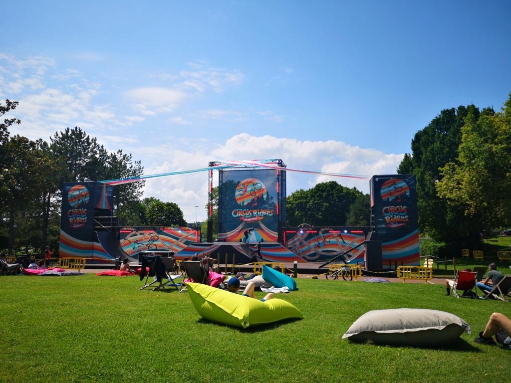 Circus Riders - spectacle de plein air · du 17 juillet au 28 août 2021 Img_2039