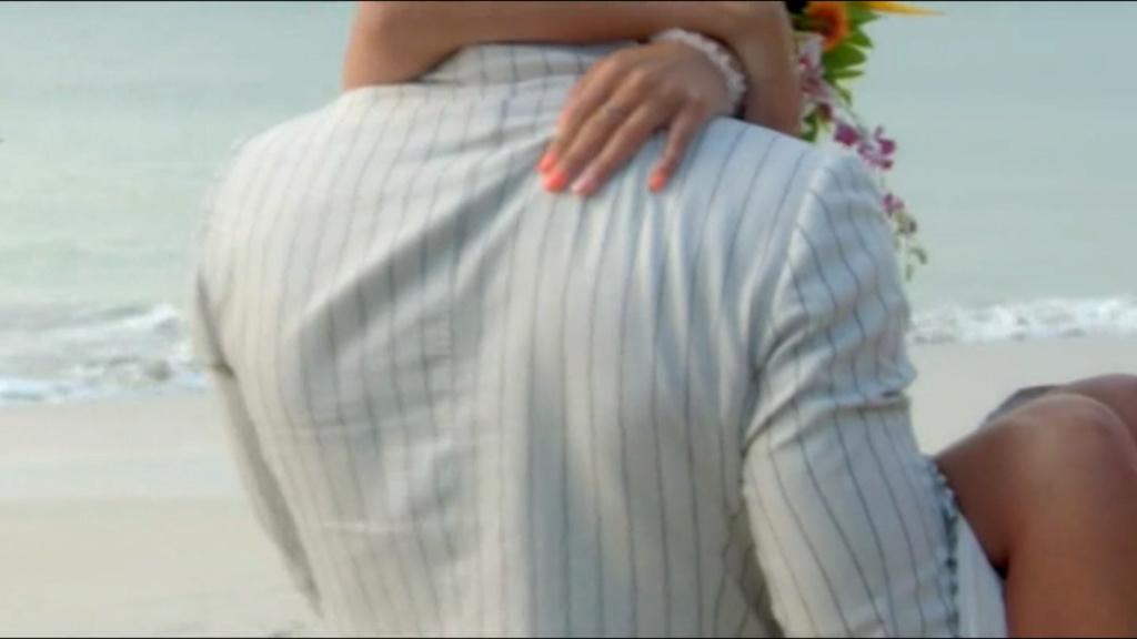 Bachelor UK - Alex Marks - Season 6 - Screencaps - *Sleuthing Spoilers* - Page 3 9d713210