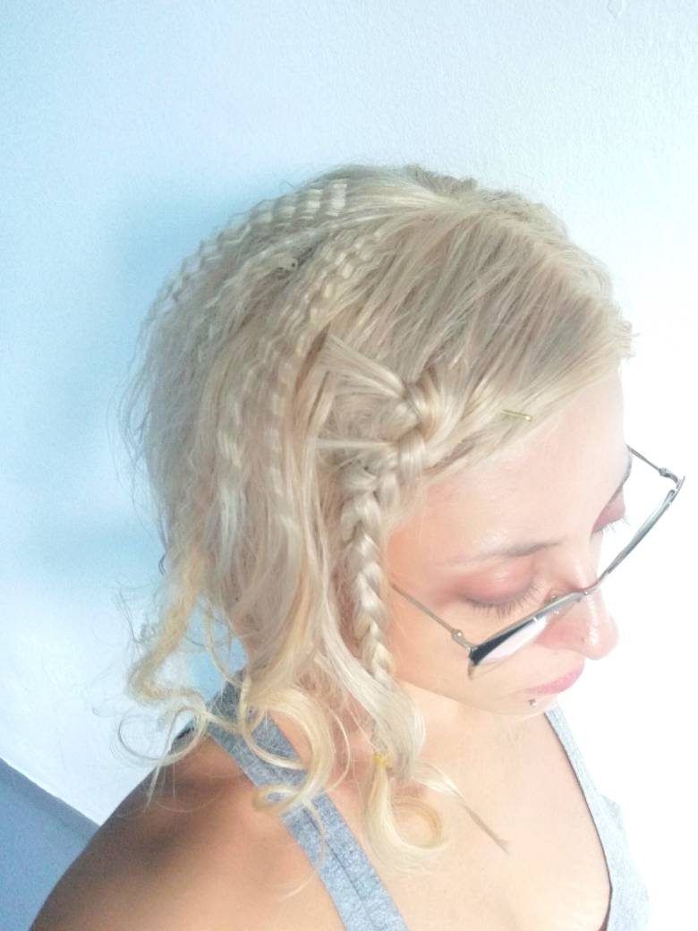 Cliente femenina con vacuum  wig despues de   meses de uso y  meses de mar  68f89010