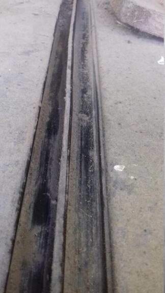 Rails de fixation des barres de toit : comment ça se démonte? 20201011