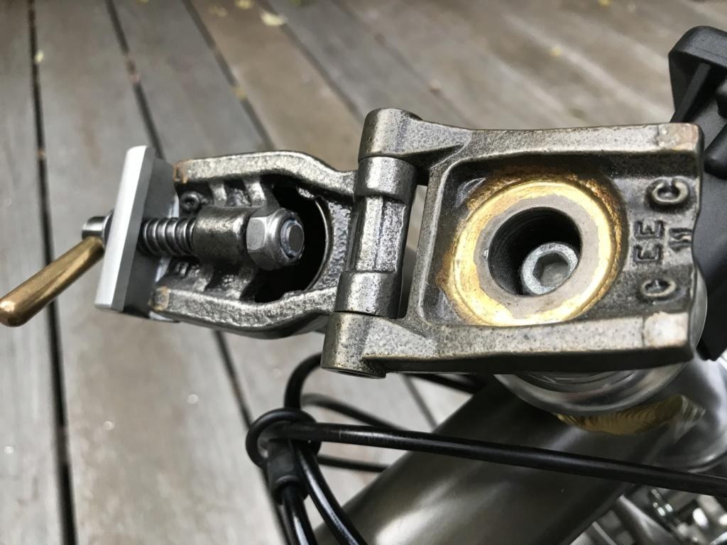 Brompton S2L-X raw lacquer amélioré Brompfication... ( le vélo, la saccoche, les pièces originales) ! (VENDU) Img_1129