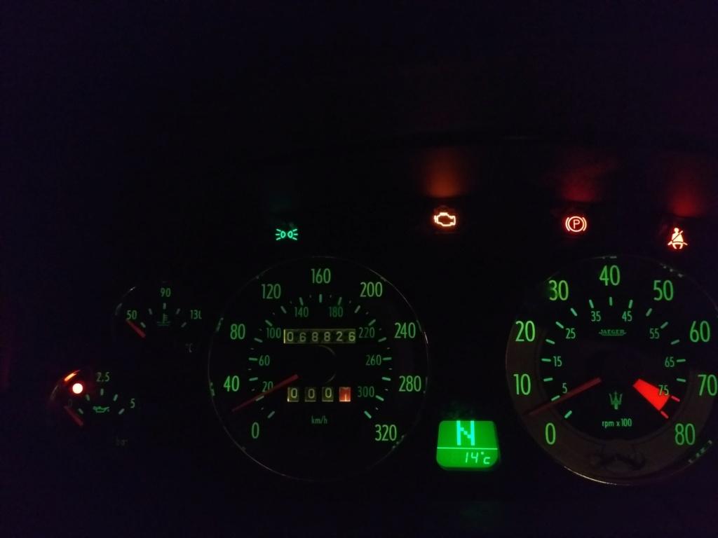 Problème électrique 4200 GT Img_2010