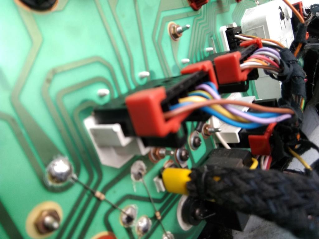 Problème électrique 4200 GT Img_2012