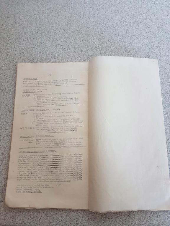 Tissus et papier  20200677