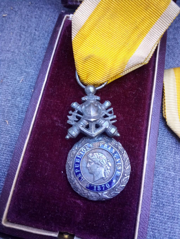 Estimation médaille militaire bi face Img_2369